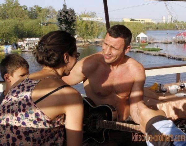 Всю семью Кличко можно встретить в экстрим-парке «Х-Park» рядом с Московским мостом