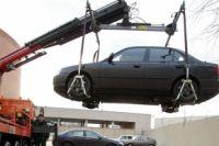 Вывоз автомобилей на штрафстоянку обходится омичам в копеечку.
