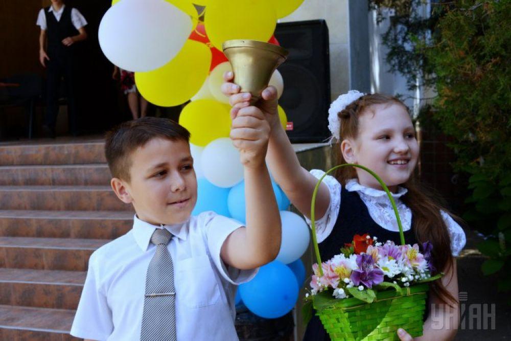 В некоторых школах Одессы прозвучал последний звонок