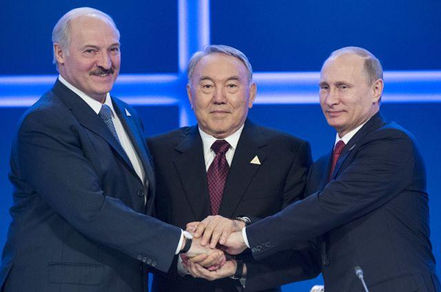 Александр Лукашенко, Владимир Путин и Нурсултан Назарбаев в Астане.