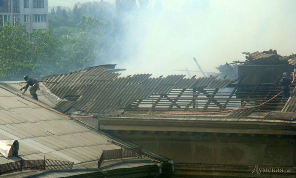 Пожар в здании бывшего института сухопутных войск