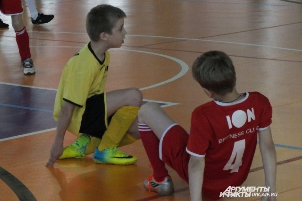 За все время турнира ребята познакомились с другими командами, теперь им предстоит долго играть вместе.