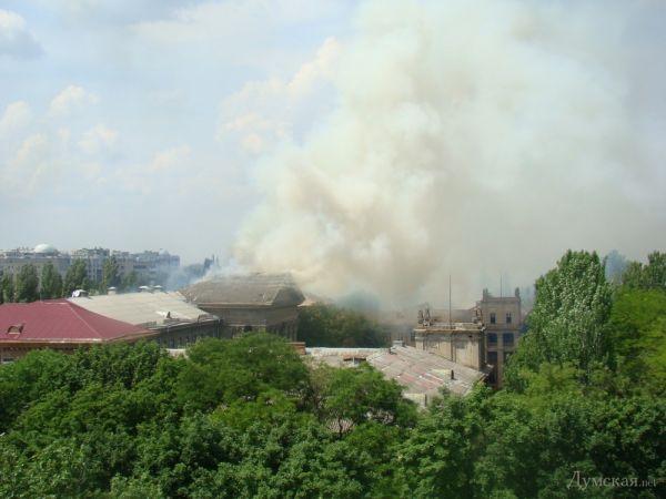 Возгорание в бывшем институте сухопутных войск в Одессе