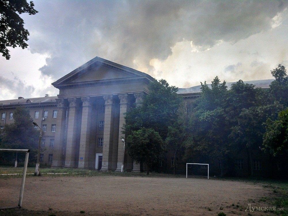 Возгорание в здании бывшего института сухопутных войск