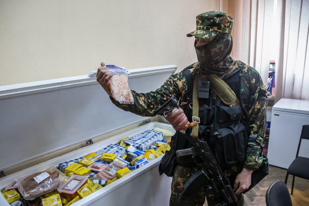 Боевики батальона «Восток» запаслись продуктами
