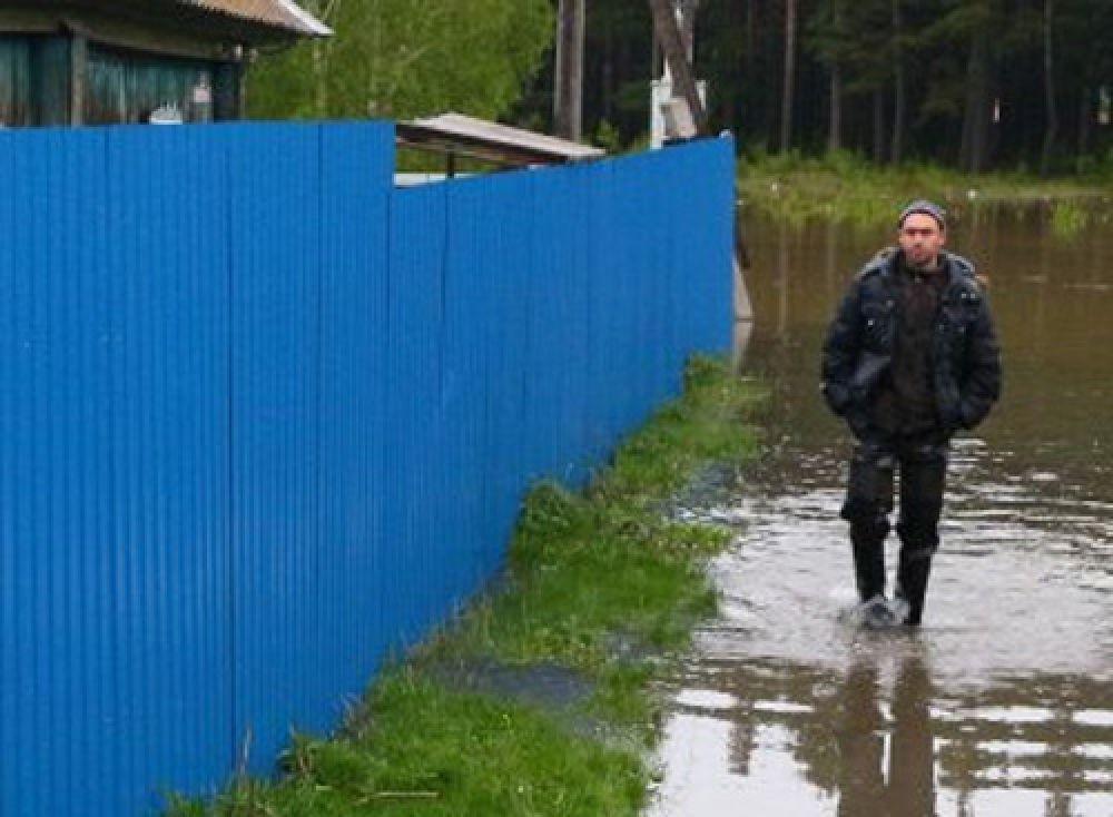 ГУ МЧС по Хакасии рекомендует жителям подтопленных районов подготовиться к эвакуации.