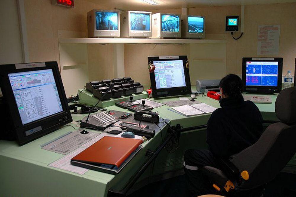 Вместо устаревшей французской системы спутниковой связи Syracuse на первый российский «Мистраль» будет установлена отечественная система «Центавр».