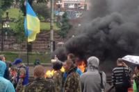 На Майдане снова горят покрышки