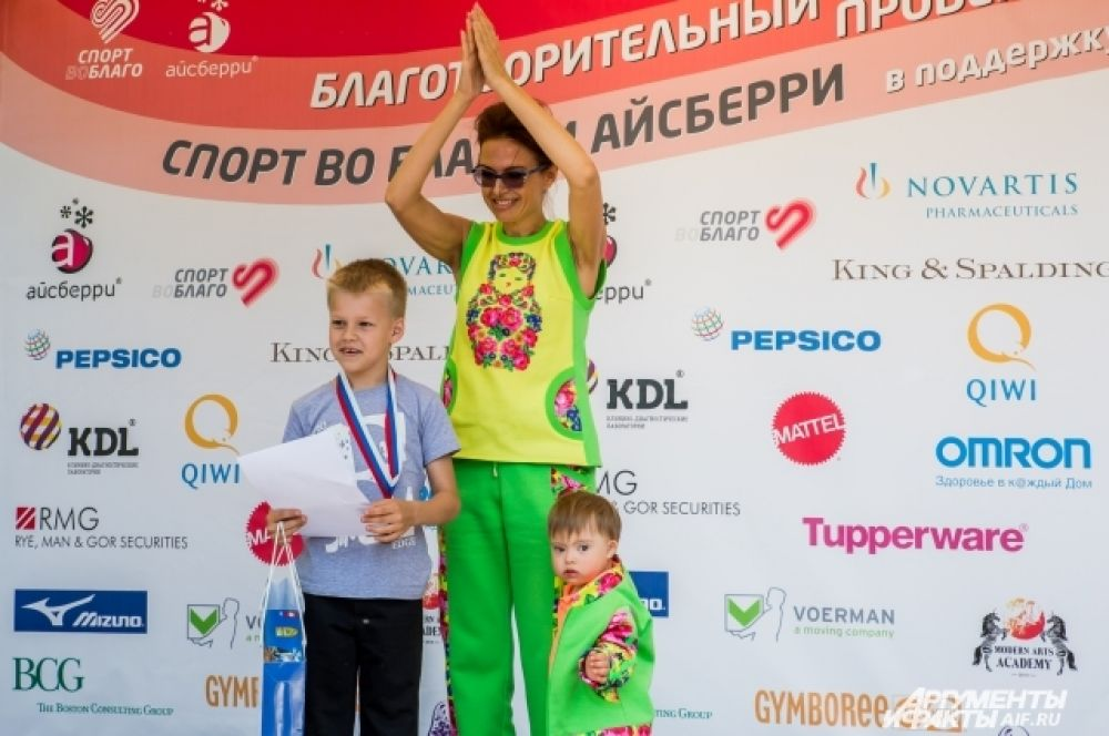 Андрей Кравец победил в забеге на триста метров. « Я и не готовился особо,просто взял и пробежал, - признался чемпион.