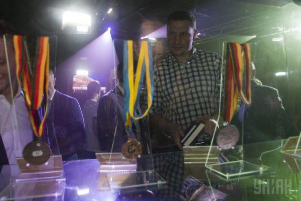 Лидер фракции УДАР Виталий Кличко на открытии выставки-музея