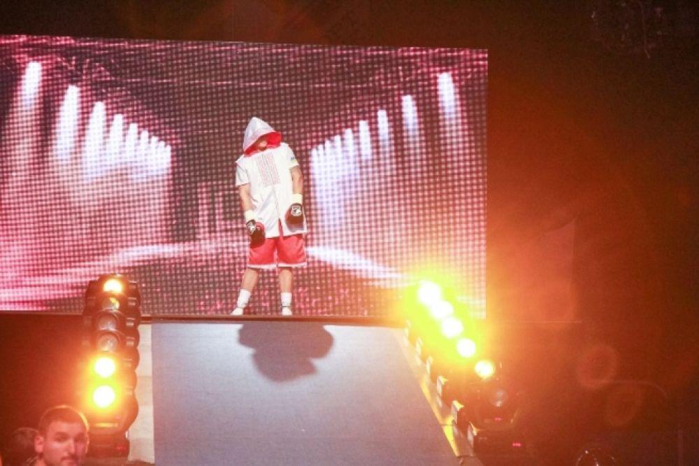 Выход на ринг боксера Усика