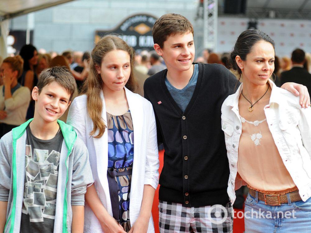 Наталья Кличко с детьми