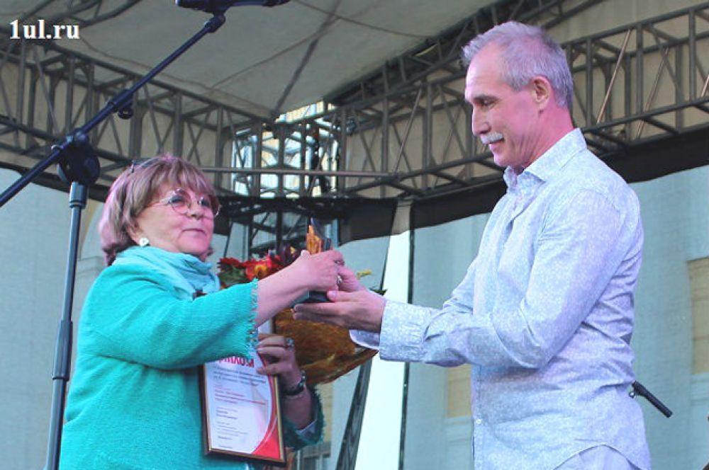 13.Обладательницей гран-при фестиваля стала режиссёр Алла Сурикова.