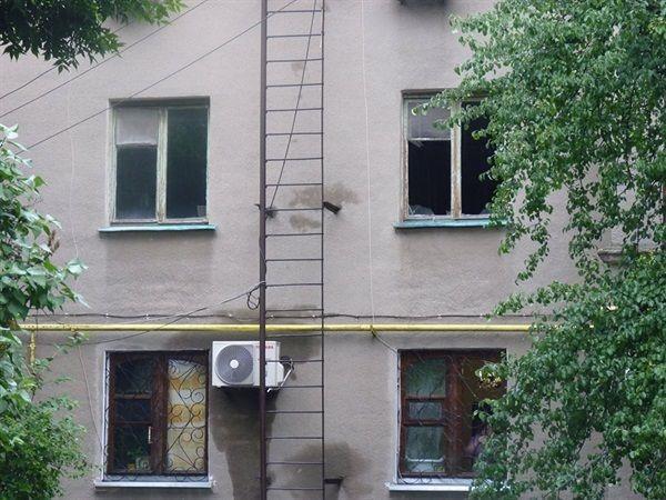 После артобстрела во многих домах выбиты стекла