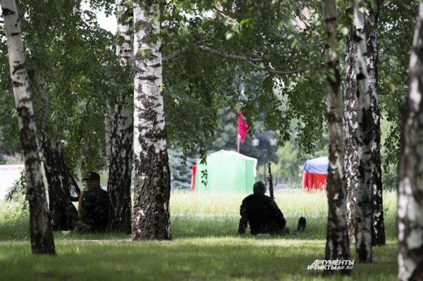 Параллельно с этим и. о. президента Украины Александр Турчинов сказал, что в результате «комплекса активных действий» в Луганской области под Северодонецком уничтожена группа ополченцев.
