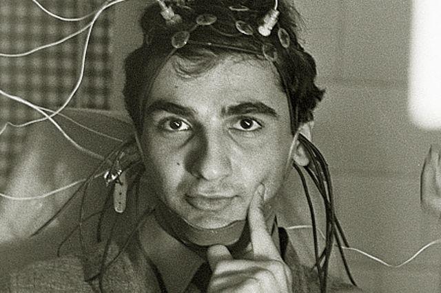 Человек-компьютер Самвел Гарибян сегодня очень нуждается в живом участии.