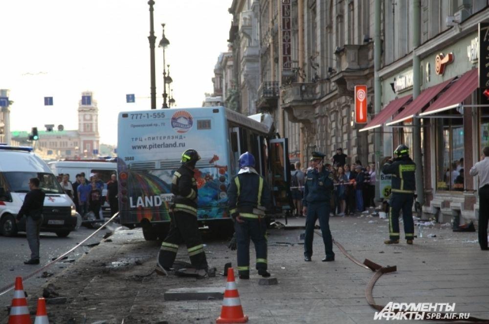 В ДТП пострадали 22 человека.