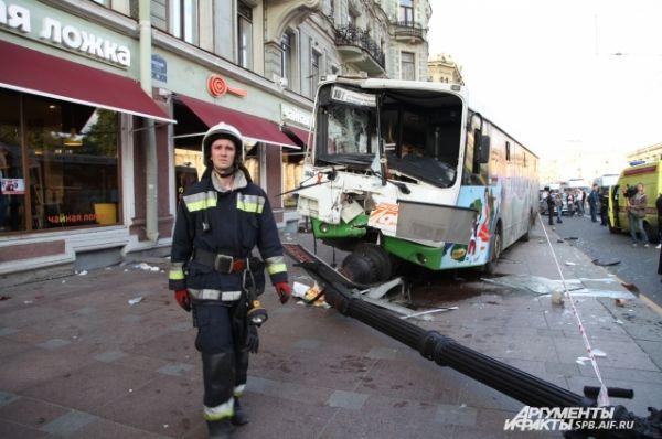 Предстоит выяснить, почему водителю автобуса стало плохо.