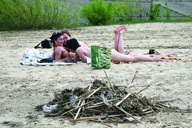 Пляж может быть рассадником инфекции.