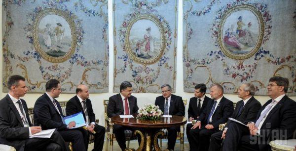 Петр Порошенко на встрече в Польше