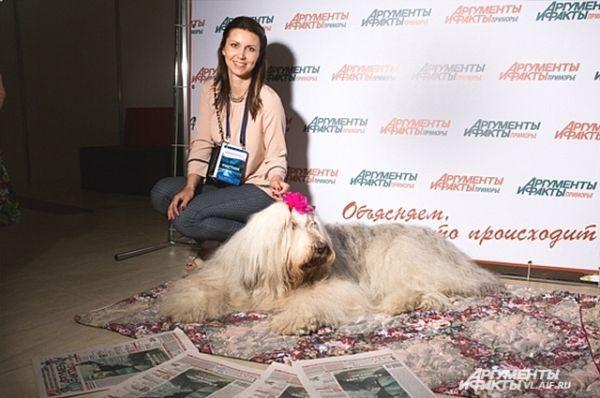 Не устояла перед очарованием символа «АиФ» и известная приморская телеведущая Татьяна.