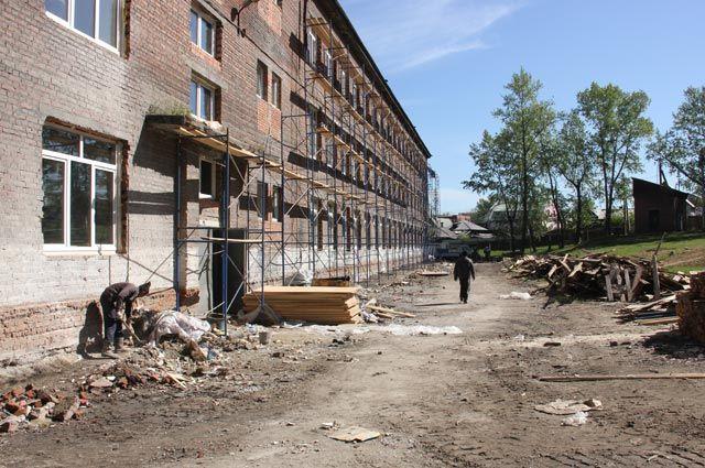 Школа №73 - одна из самых старых в Иркутске, её построили больше 50 лет назад.