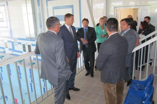 Строительство нового бассейна в Иркутске проверил мэр города.