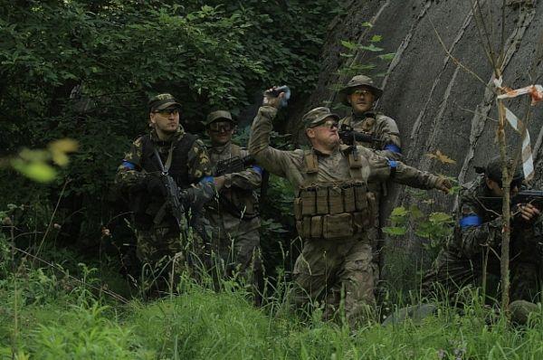В ночь на субботу 11 июня 1999 года российские десантники вошли в Косово, а 12 июня русский батальон уже защищал местное население от американской агрессии.