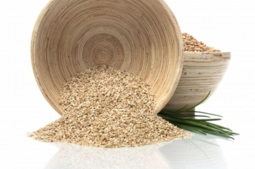 Кунжут. 100 г семян кунжута содержат суточную норму кальция. В нем есть фосфор, магний, марганец, железо, цинк, медь, витамины группы В, А, Е, РР.