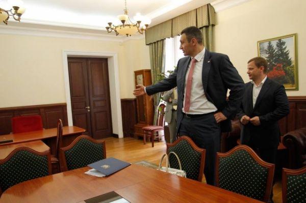 Виталий Кличко осмотрел кабинеты Киеврады