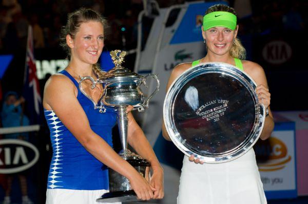 2012. Открытый чемпионат Австралии. Проходит меньше года и Шарапова вновь в финале своего любимого Australian Open. На этот раз против нее играет белоруска Виктория Азаренка, которая оказывается сильнее Шараповой – 6:3, 6:0.