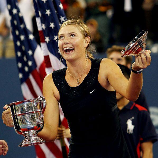 2006. Открытый чемпионат США. Следующего большого финала Марии пришлось ждать два года. И вот в решающем матче US Open ей противостоит именитая бельгийка Жюстин Энен – 6:4, 6:4 в пользу нашей Маши!
