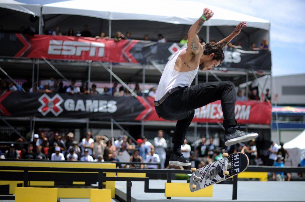 Первым спортсменом в списке оказался профессиональный скейтер Дилан Ридер, регулярно блистающий в рамках американских X Games, крупнейшего в мире фестиваля экстремальных видов спорта.