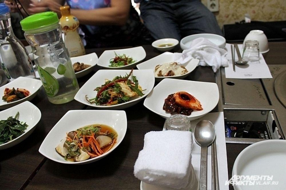 Грибы были и в закусках, и в основном блюде.