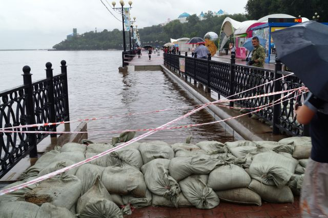 Хабаровская набережная во время паводка 2013 года