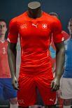 Швейцария на предстоящий чемпионат мира выбрала форму красного цвета с небольшими вкраплениями, отсылающими к национальному флагу.