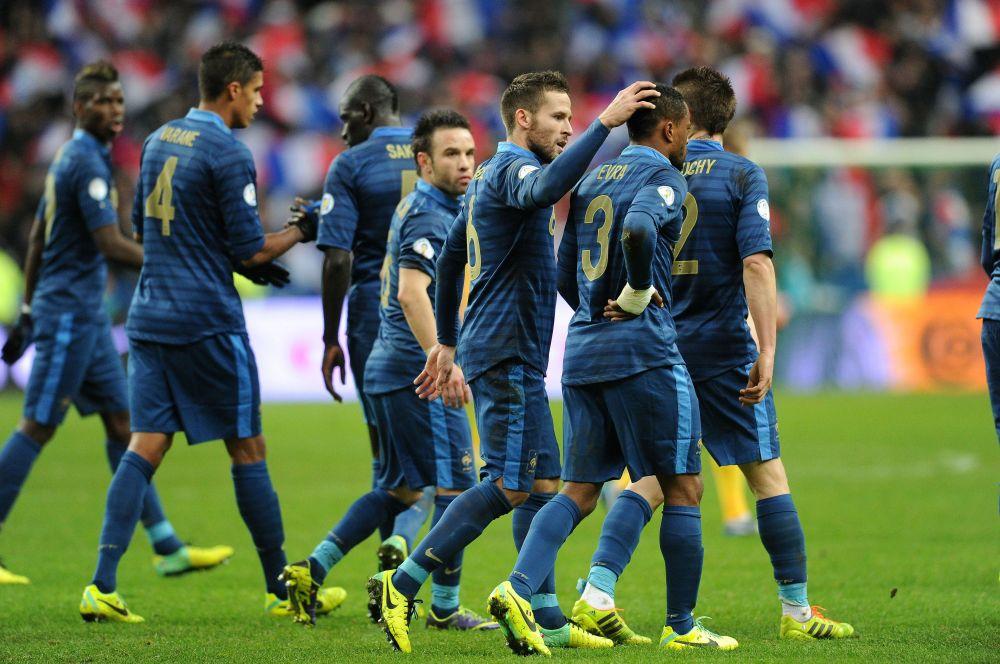 Сборная Франции к предстоящему чемпионату мира немного изменила оттенок традиционного для команды синего цвета – он стал немного темнее и не таким насыщенным.