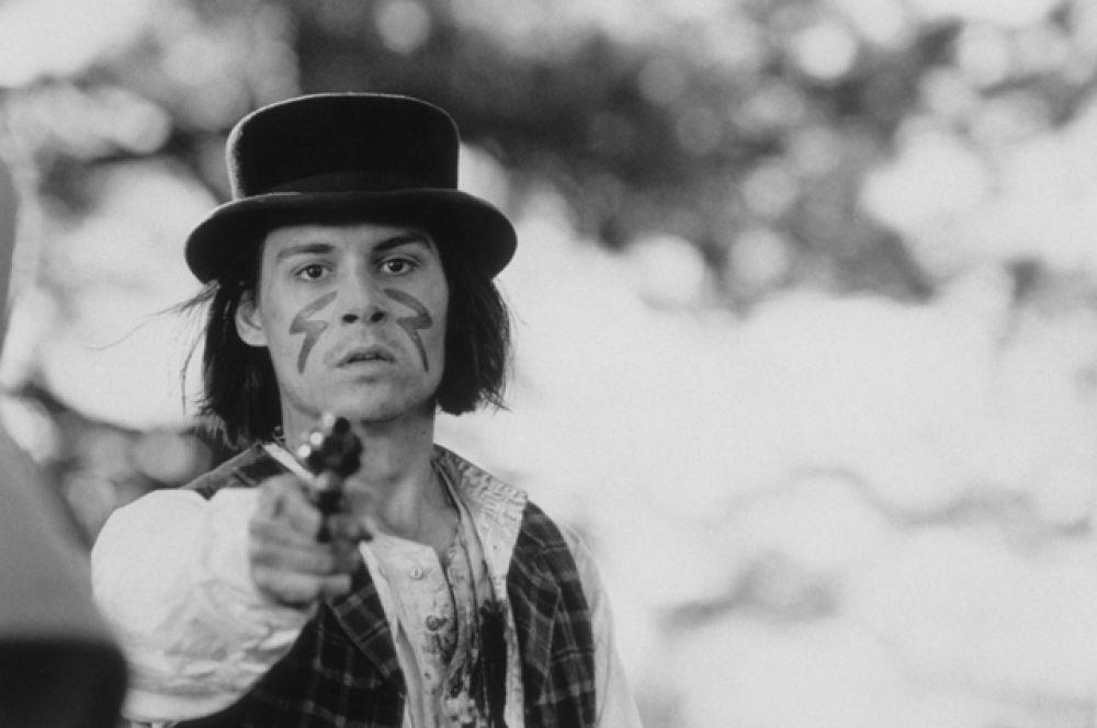 Джонни ещё пытался играть музыку, но пока он занимался кино, The Kids распались. В то же время «Кошмар на улице вязов» стал хитом, Джонни Депп, хотя и не играл главных ролей, попал на телешоу.
