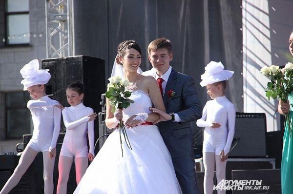 В честь них был даже организован небольшой концерт с выступлением юных артистов.
