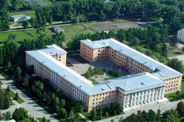 Главный учебный корпус ЧВВАКУШ.