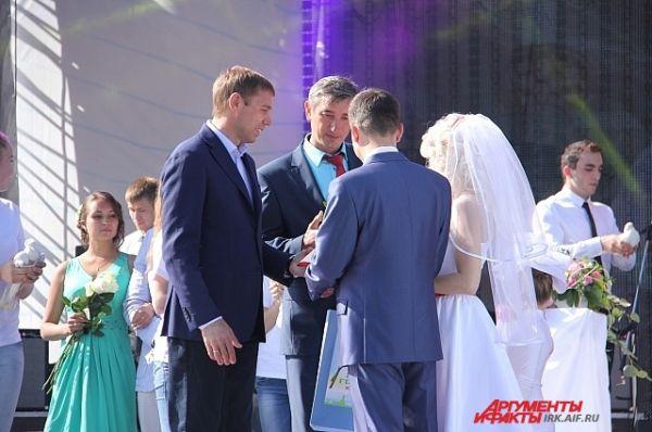 Такое событие в день свадьбы запомнится надолго.