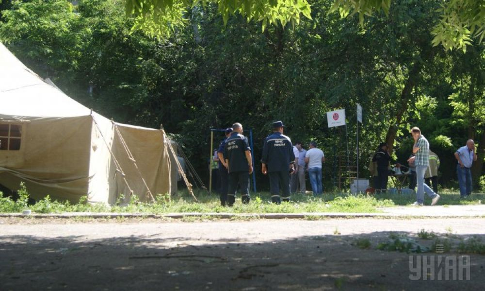 По состоянию на утро 10 июня спасатели разобрали завалы и приступили к восстановительным работам