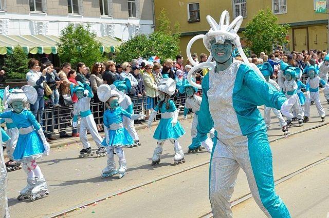 Звание «Мисс карнавал» отдали марсианке.
