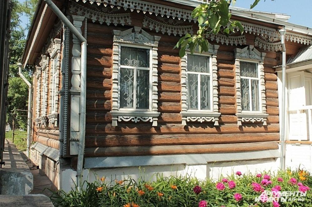 Улица Демидовская, 9. Некрополь Демидовых.