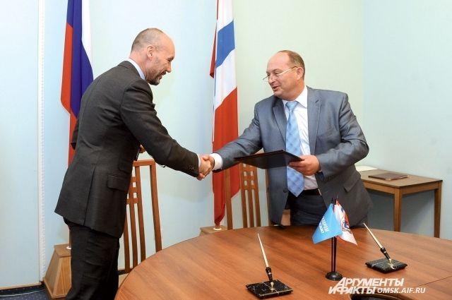 Подписано соглашение об открытии в ОмГТУ базовой кафедры.