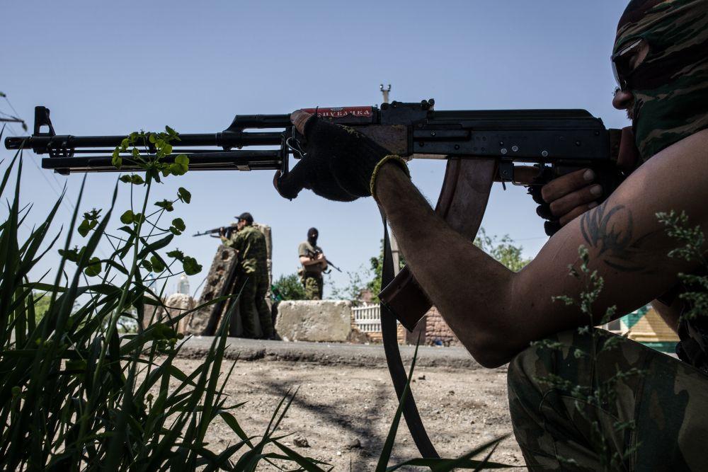 Сепаратисты на Донбассе имеют профессиональное оружие