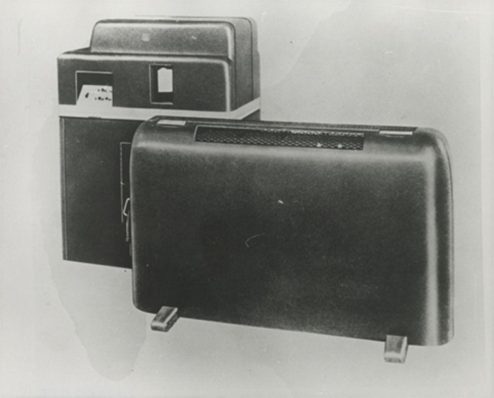 В 1946 году IBM представила первый в истории коммерческий калькулятор – IBM 603. В устройстве использовались вакуумные лампы, обеспечивавшие более высокую производительность по сравнению с электромеханическими приборами.