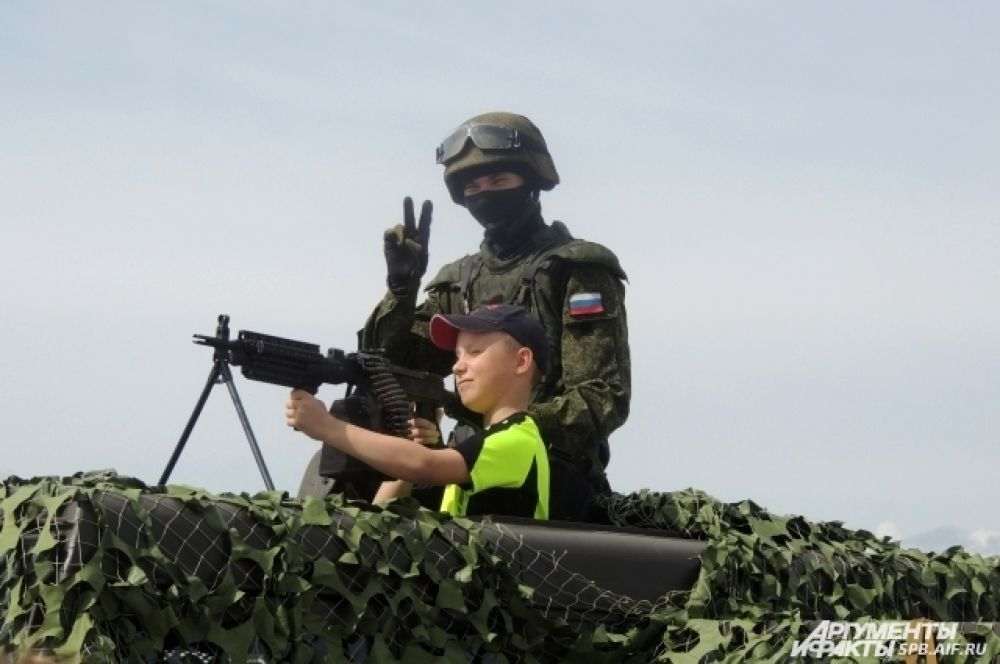В ходе сражения российские войска всех спасли.