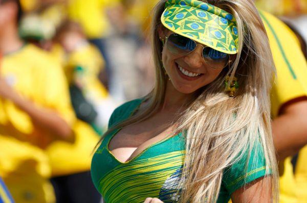 Четверг в Сан-Паулу объявили выходным днем, чтобы избежать пробок и обеспечить людям легкий доступ к стадиону.