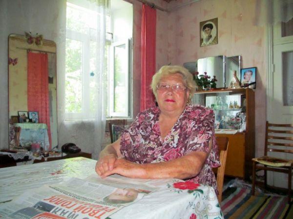 Первая учительница Петра Порошенко
